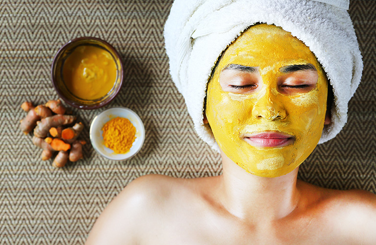 DIY Turmeric Face Masks: Fade Dark Mark & Blemishes for Glowing Skin