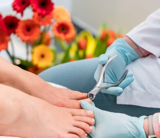 how to fix a cracked toenail: How to Fix A Cracked Toenail?