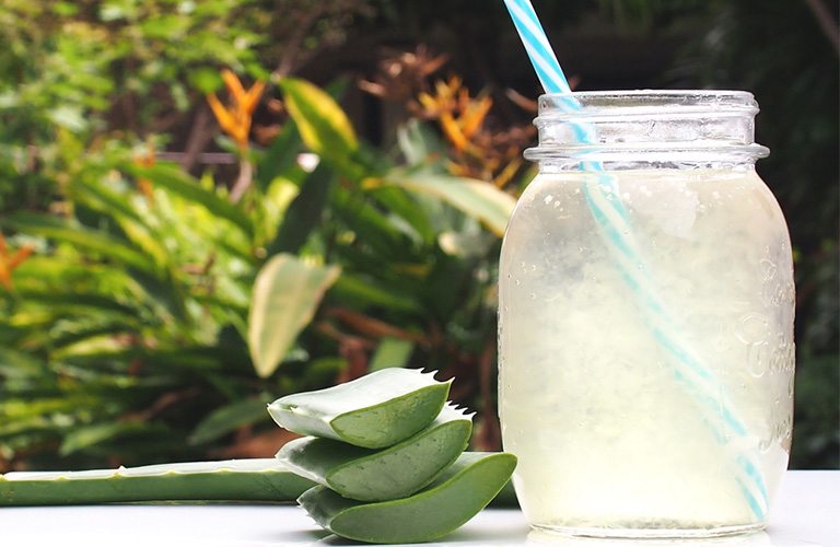 Aloe Vera Juice - Benefits, Side Effects & Easy Recipes to Try!